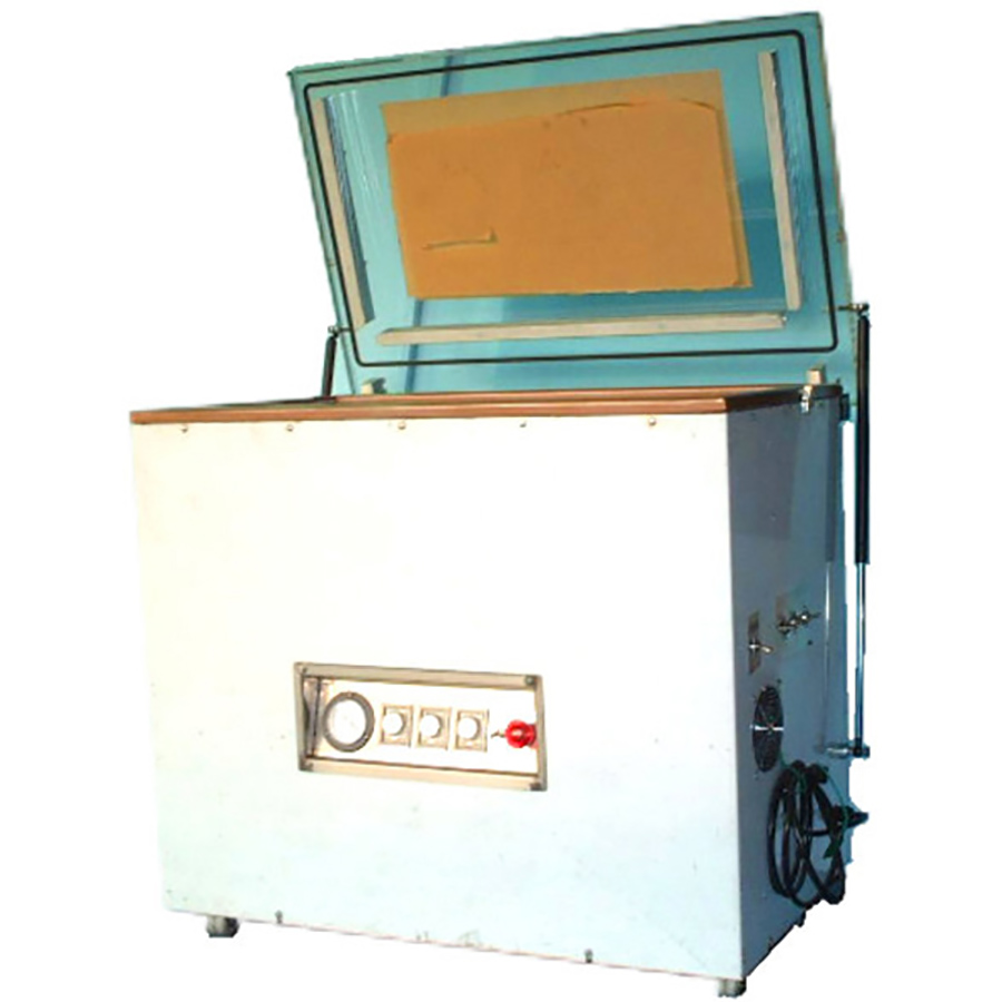 Vacuum-packaging machine